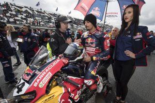 R11_Magny Cours_WorldSBK_2017_Race 1_Giugliano_DSC5150