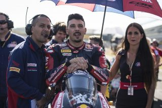 R12_Jerez_WorldSBK_2017_Saturday_Giugliano_GB49610