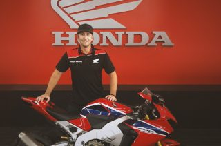 Johnson_signs_Honda