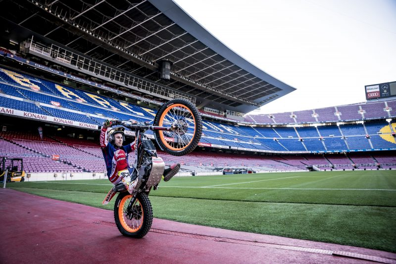 "VIDEO: Toni Bou ""plays"" at the Camp Nou"
