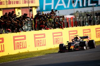 Alexander Albon, Red Bull Racing RB16 crosses the line to his team celebrating