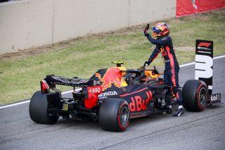 Alexander Albon, Red Bull Racing celebrates in Parc Ferme